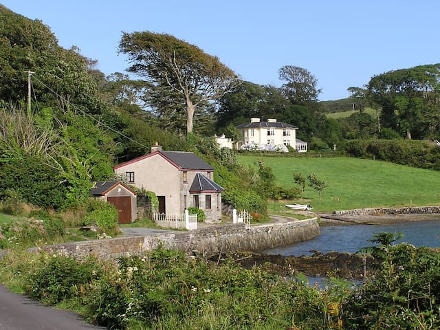 The Gate Lodge of Lough Hyne House - Skibbereen - Huis