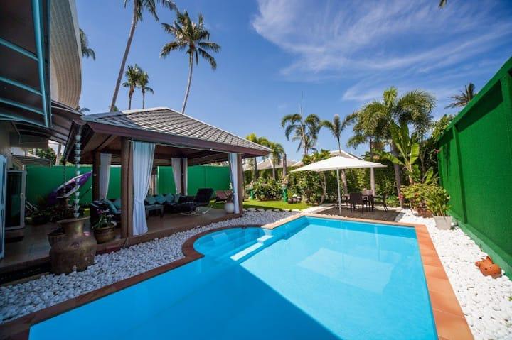 Casa Tropicana, 2 +1 Bed Beachside Villa