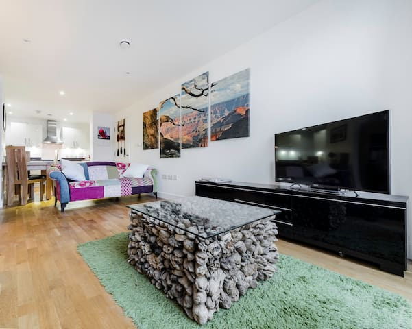 Contemporary 2 bedroom duplex apartment - Edgware - Apartemen