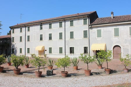 Corte Villa Elisa