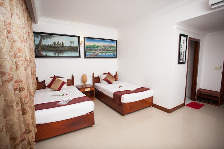 Deluxe Twin Room with Free Oick-up