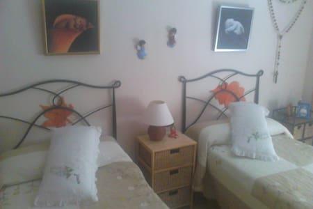 Urbanizacion de lujo habitación doble - Almería