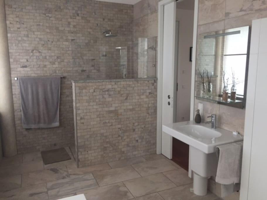 penthouse wohnung in bester lage wohnungen zur miete in ingolstadt bayern deutschland. Black Bedroom Furniture Sets. Home Design Ideas