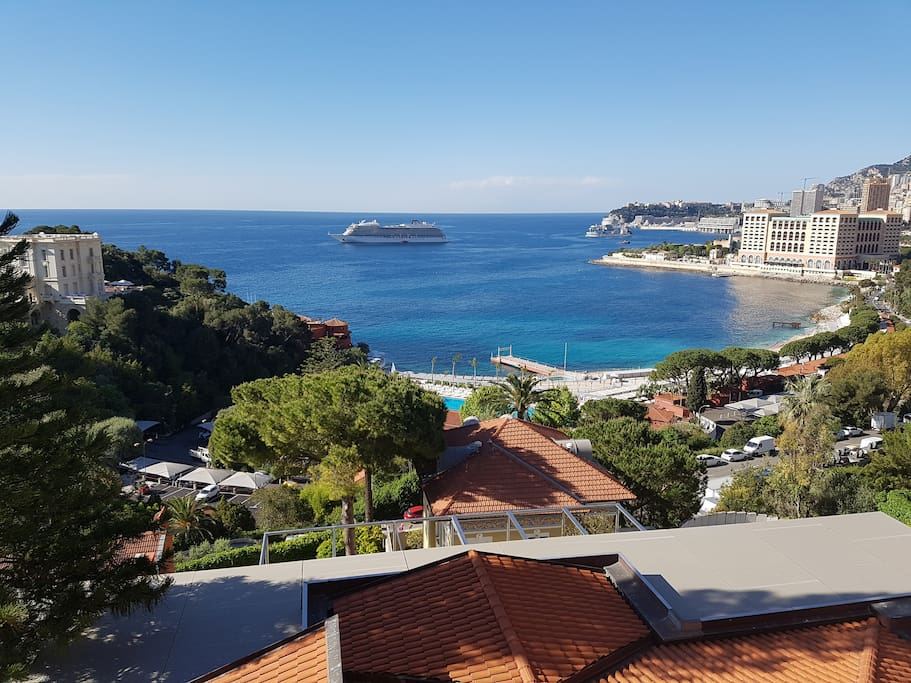 Beautful Monte Calo Beach and Monte Carlo Bay view from the terasse of my flat! sun whole day- south exposition of the flat!