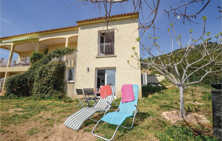 Holiday apartment with 1 bedroom on 42m² in Alata