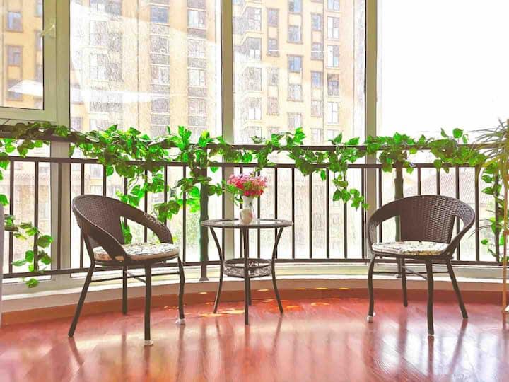 日照景区舒适温馨三居室。可代买优惠景区门票。