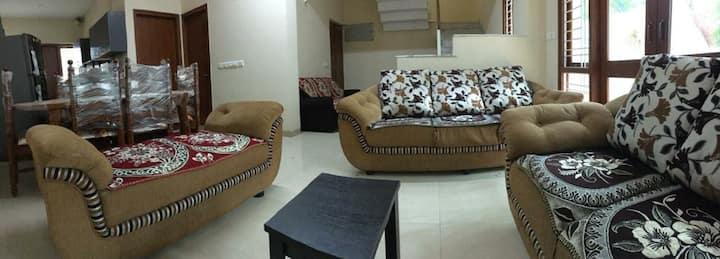 Lavish villa for Get together n hang out 20 PAX