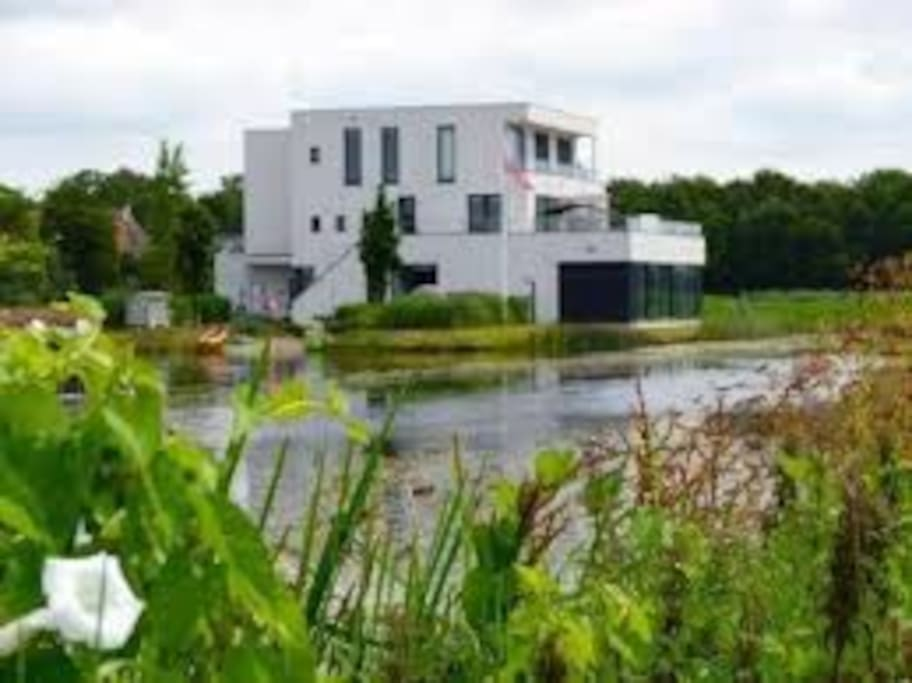 Villa at the Frisian lakes