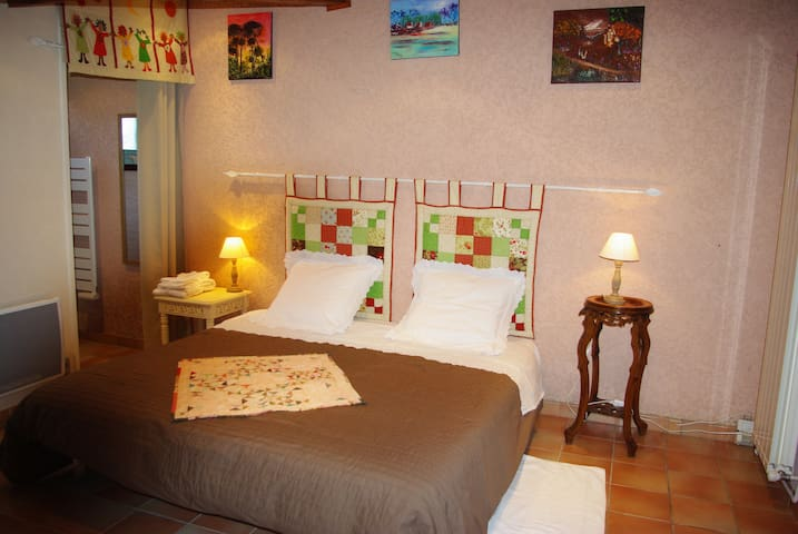 chambre-d-hote-lateoulere - Saint-Martin-Curton - Huis
