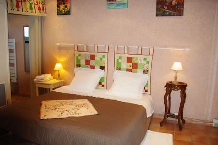 chambre-d-hote-lateoulere - Saint-Martin-Curton - Casa
