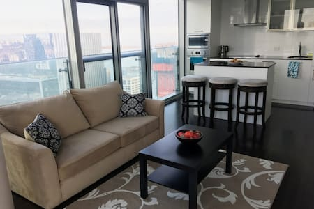 2BD+DEN+PARKING NEAR CN TOWER, ACC, UNION STATION - Toronto - Wohnung