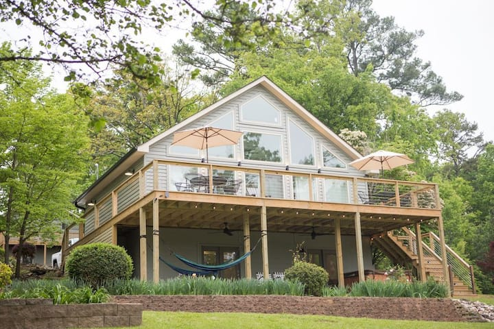 Hot Springs Home +1 or 2 cabins Sleeps 10-18!VIEW!