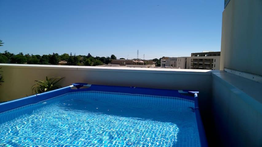 Colocation sur toit-terrasse avec piscine - มงต์เปลลิเย่ร์ - อพาร์ทเมนท์