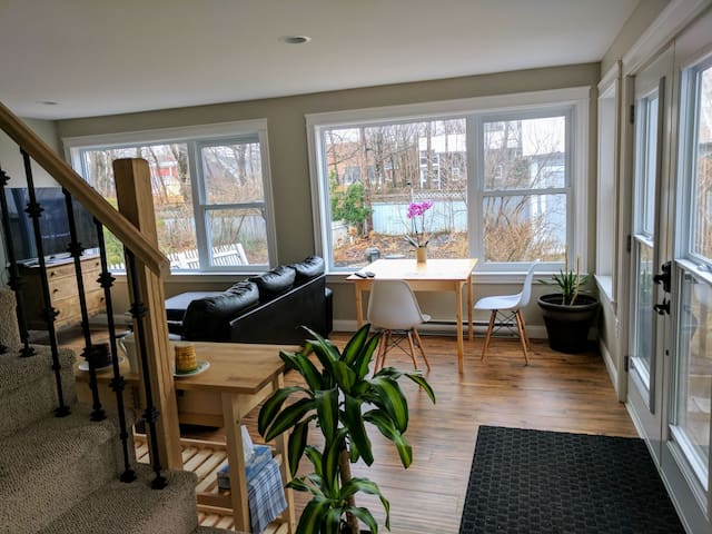 Downtown Flat next to Queen Square Park & Market - Fredericton - Casa