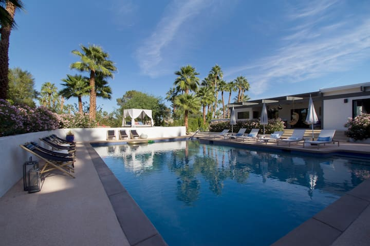 TU CASA : 6BD / 5.5BA PALM DESERT RETREAT