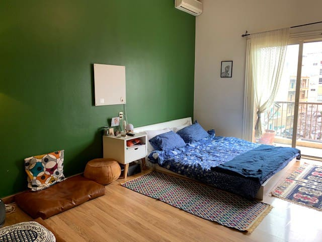 The Green Room - cosy bedroom & bathroom