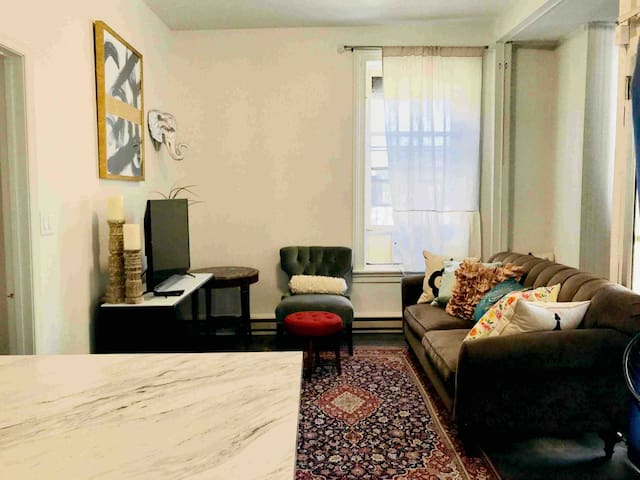 High End Coliving Space in the Heart of Downtown!!