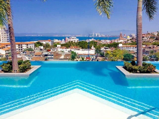 Spectacular & Exclusive condo @the Romantic Zone! - Пуэрто-Вальярта - Квартира