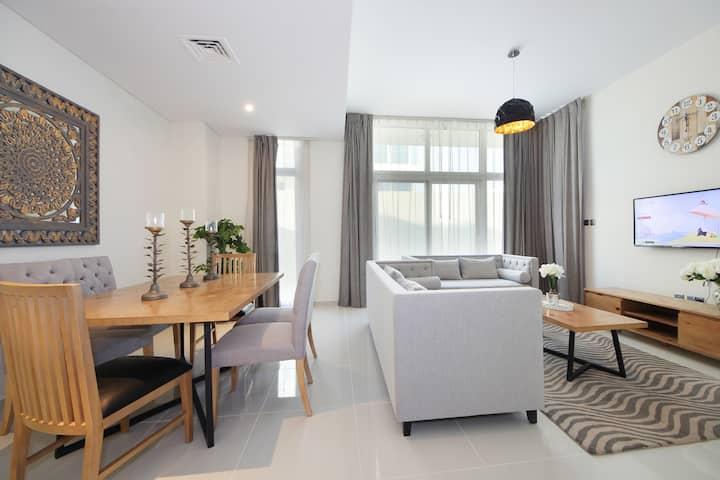 Beautiful 3 Bed Villa with Maid Room & Backyard