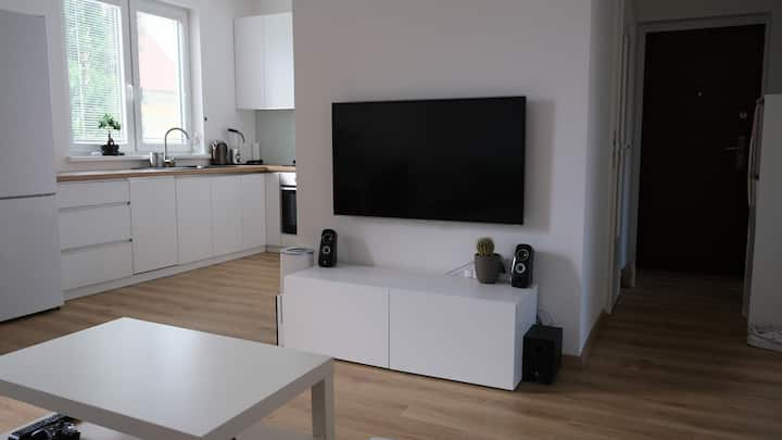 Brand new City Center Hip Apartment