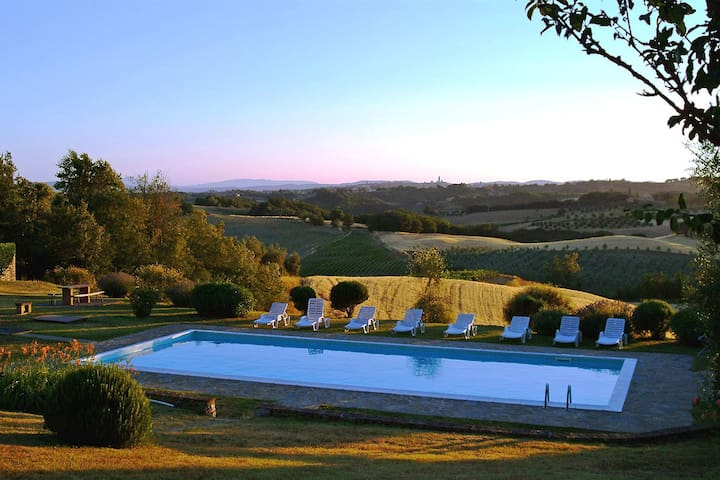 Idyllic Siena Retreat-Splendid View