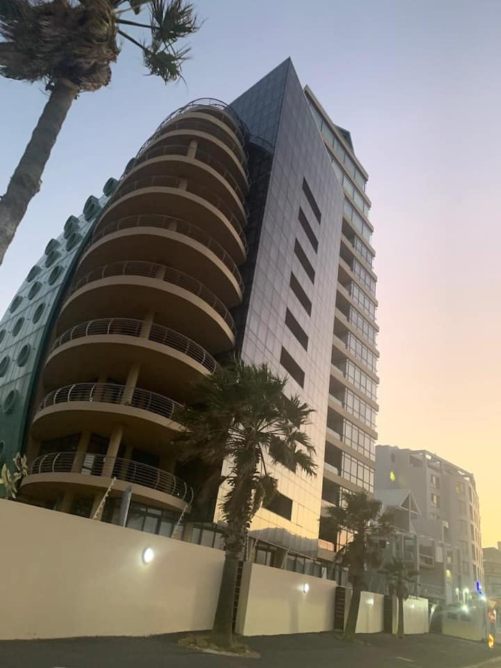 21 On Beach Road - The Strand - Penthouse #903