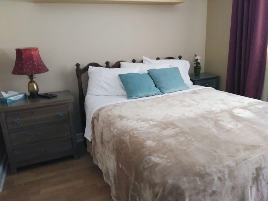 Very Comfortable Queen Bed