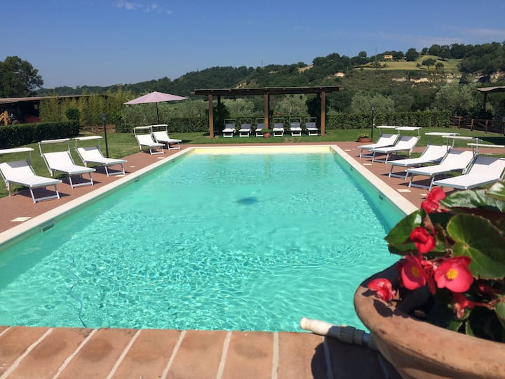 COUNTRY APARTMENT+ POOL+ HORSE RIDING SCHOOL.T