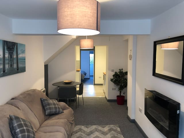 One bedroom apartment in Nefyn, close to beach.