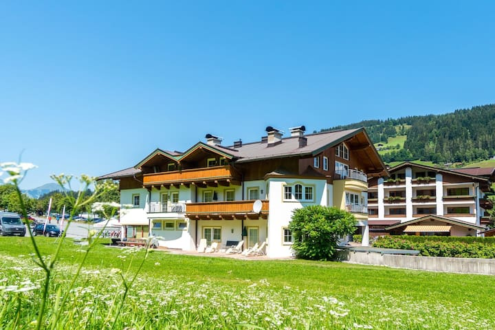Cozy Apartment in Kirchberg with Sauna