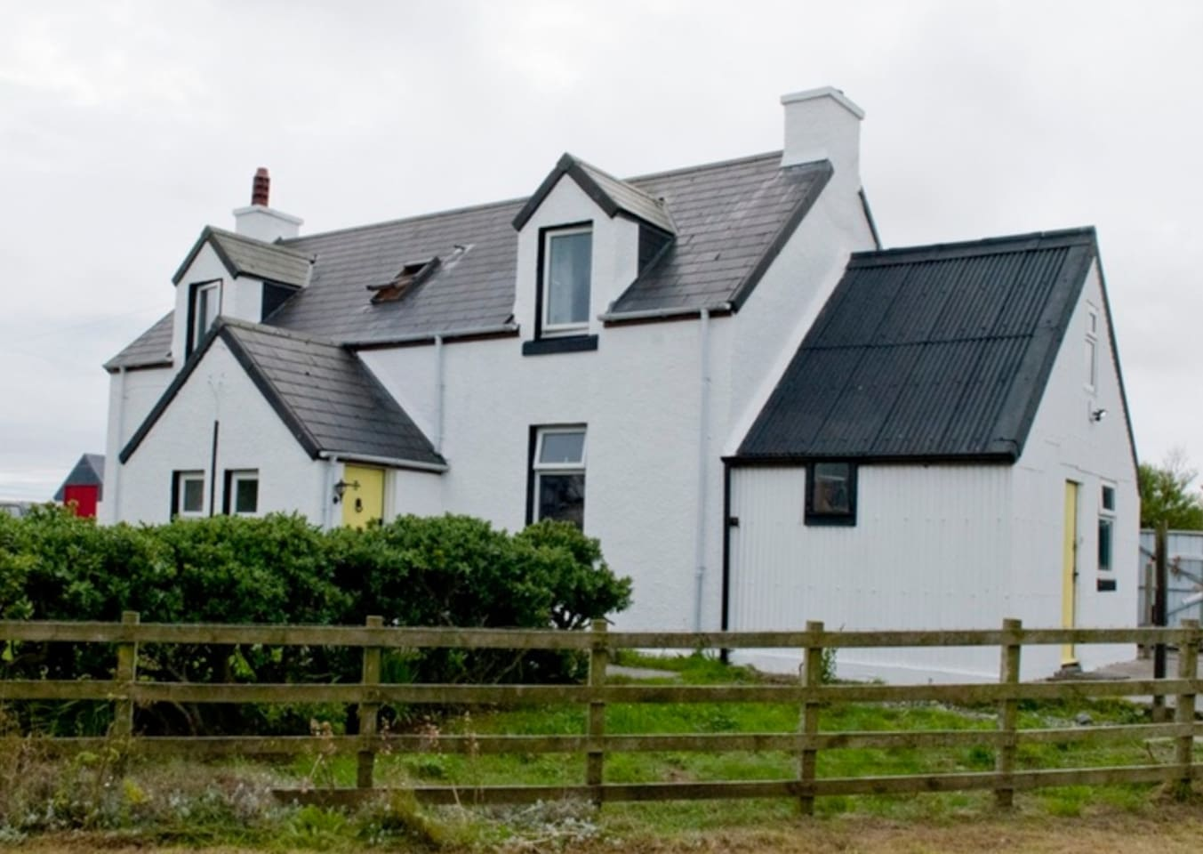 Springfield Cottage, a traditional 1930s Tiree croft house and former post office with sea views