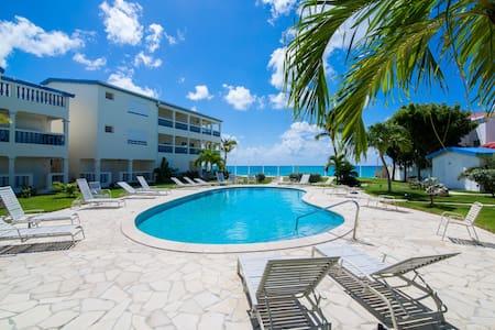 Palm Beach Luxury Condo-Simpson Bay Beach