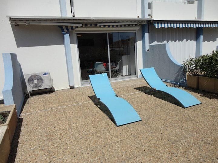 2 pièces RDC Grande terrasse - climatisation - lave-linge, lave-vaisselle, parking