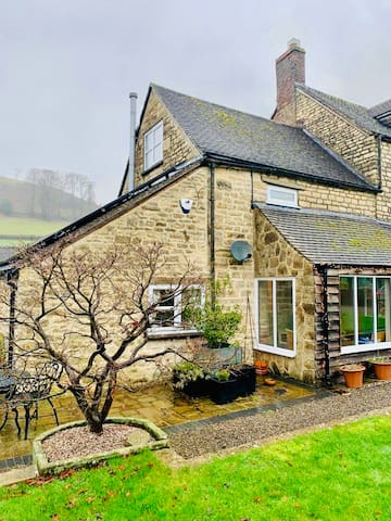 Stunning Cotswold Cottage in Equestrian Location