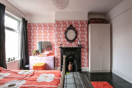 Room with cool vintage vibe and original features