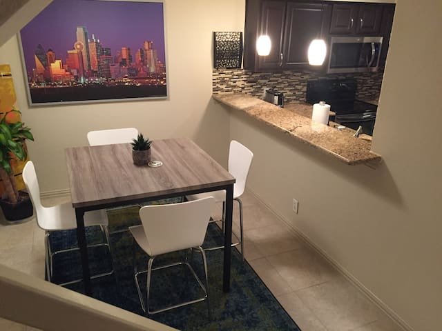 Dallas City Living - Dallas - Appartement en résidence