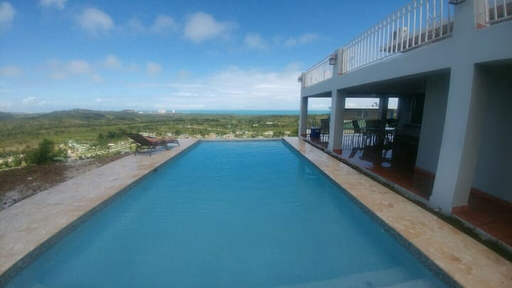 Hacienda Margarita-Infinity Pool, Lg Home & Views!