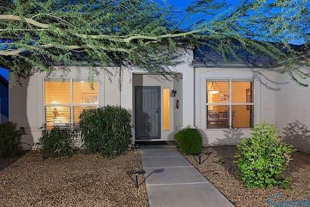 , House at Chandler, with Garden View - Chandler