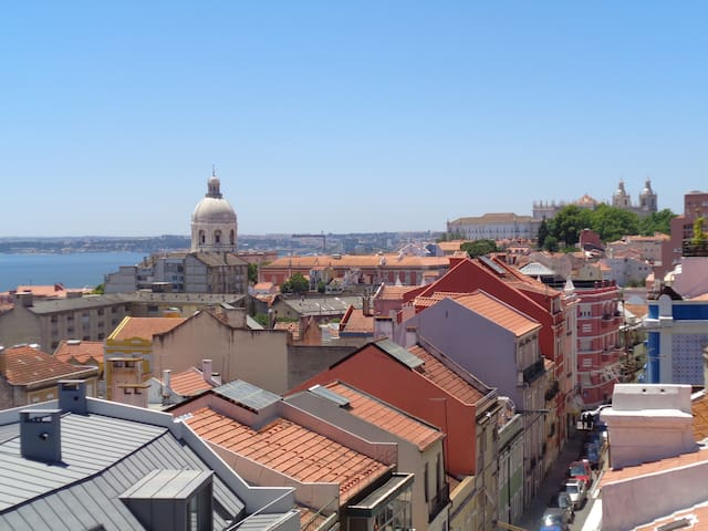 Spacious/Sunny/Great Views/ALFAMA 8min by foot - Lisboa - Appartement
