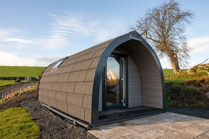 The Shearing Shed - Luxury Pod for two, pub nearby