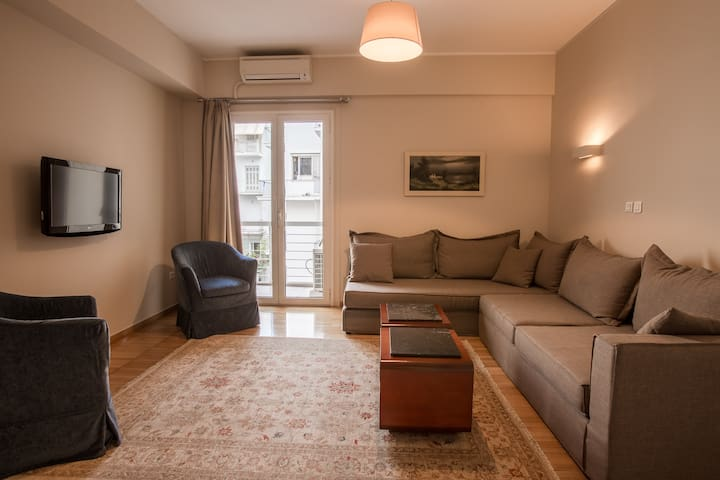Spacious appartment for 3! The sofa can easily be set up as an extra bed.