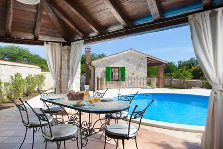 Villa Marianne 12 km from Poreč - Villa