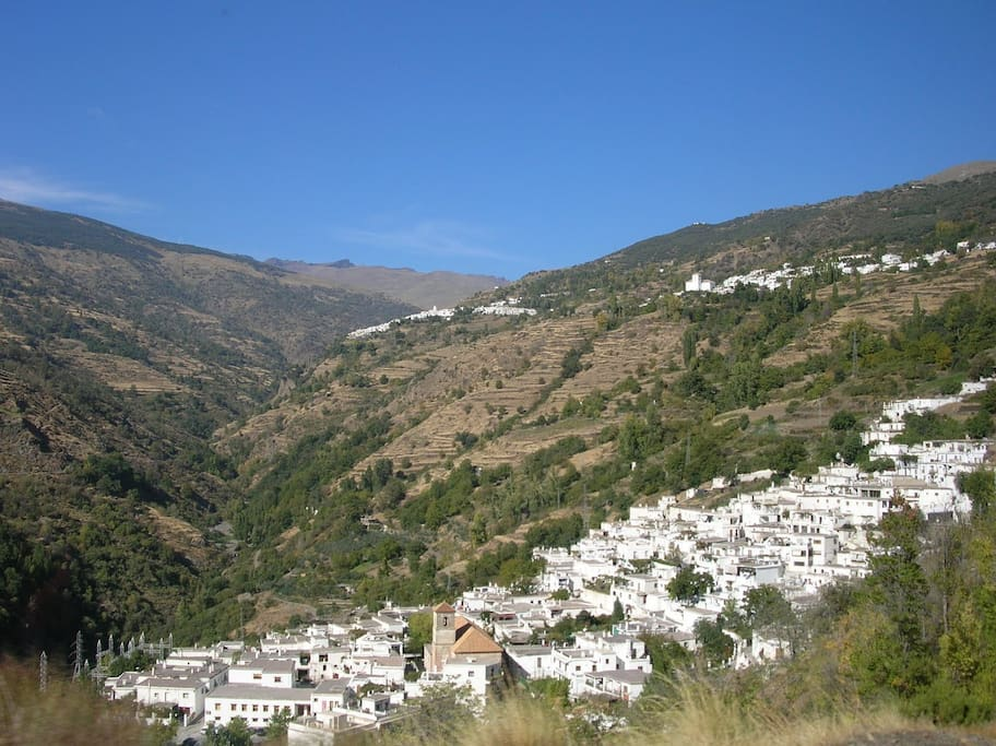 Typical house on the sierra nevada houses for rent in - M a interiorismo cb granada ...