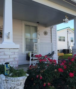 Charming historic waterfront home - Swansboro - House
