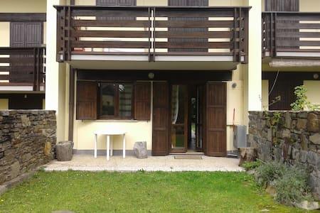 Appartamento in villa a schiera con giardino - San Pietro - Huoneisto