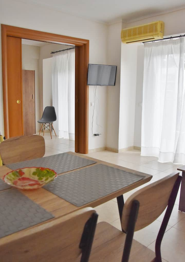 SPACIOUS AND CONVINIENT FLAT BY THE SEA- 2