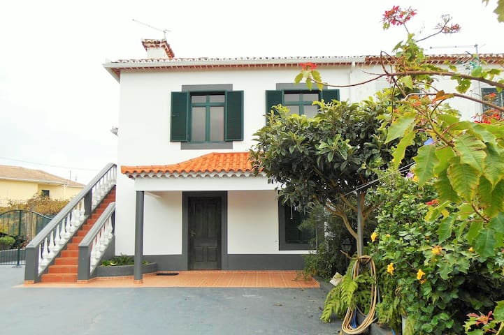 Bel appartement à Madère (Santana) - Achada do Gramacho - Huoneisto