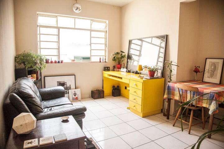 Cozy silent room in Pinheiros, great neighboorhood - Són Paulo - Pis