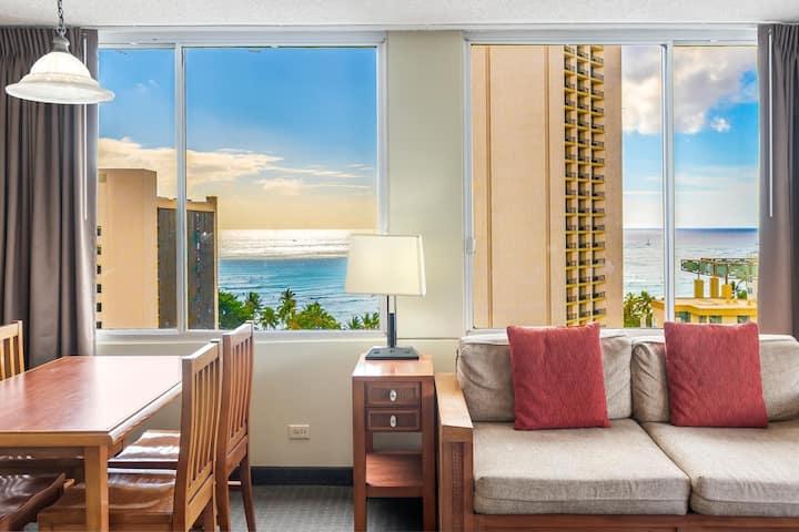Ocean View 1-br  in Waikiki w/ Car Rental Option