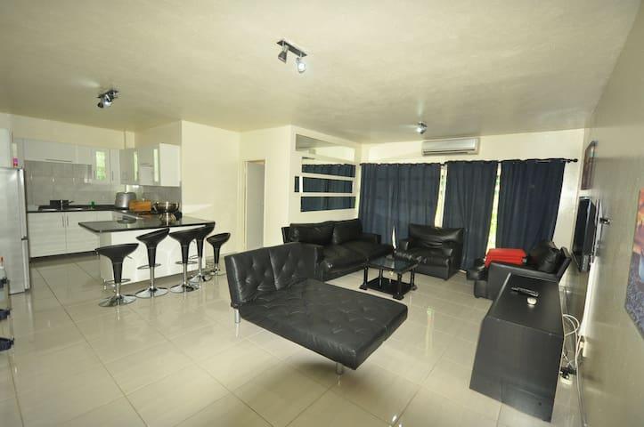 Beautiful 3 Bedroom Apartment - Saint Lucia - Apartment